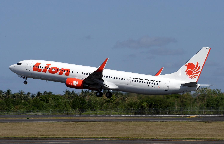 http://3.bp.blogspot.com/-PdtjnaBPj7Y/UBlUufIdFmI/AAAAAAAAK2E/rcIdTHy7-2g/s1600/boeing_737-900er_lion_air_takeoff.jpg