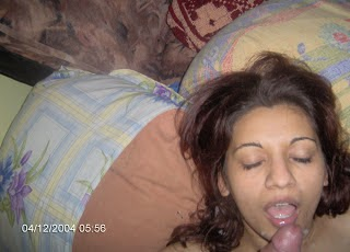 Indian Desi Girl Sucking Her Boy Friend Cock Pics