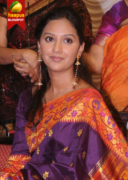 Tejashri-Pradhan-actress-honar-sun-mi-ya-gharchi-engagement-photos ...