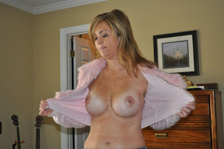 Free Sexy Picture - rs-Freckled_Milf_Freckled_Milf61-743907.jpg