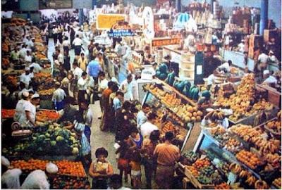 El Mercado de Quinta Crespo, repleto de frutas nacionales e importadas