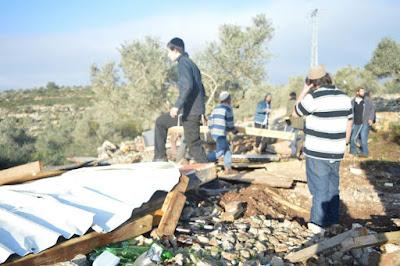 Governo israelense demole casas de 700 moradores e uma sinagoga consideradas ilegais na Samaria