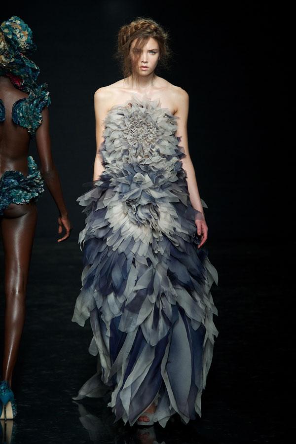 Ivenje i krojenje yiqing yin haute couture autumn winter 2012 - Chambre syndicale de la haute couture ...