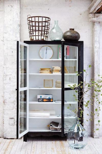 Mueble salon con vitrinas - Como decorar una vitrina ...
