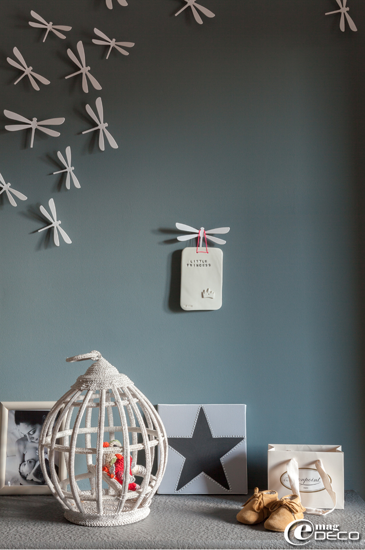 Cage à oiseaux au crochet, création Anne-Claire Petit, et plaque 'Little princess' chez 'Serendipity'