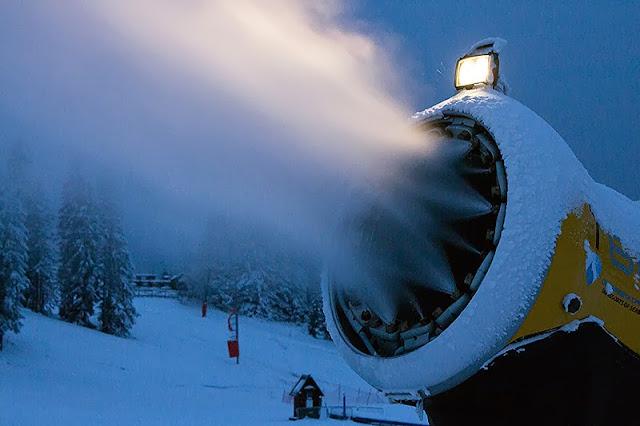 Aparat koji pravi veštački sneg