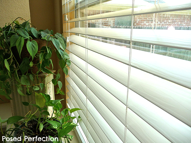 How to clean your faux wood blinds... the easy way!