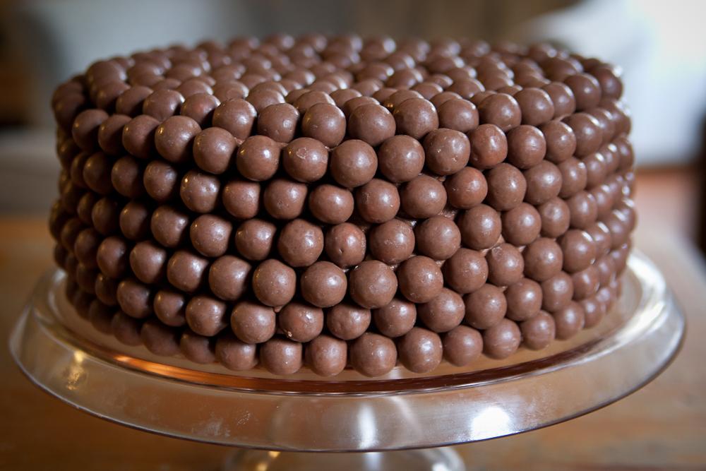 That's Life Enjoy It: What to Eat Wednesday- Chocolate Malt Cake