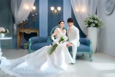Foto Pernikahan Barbie Hsu