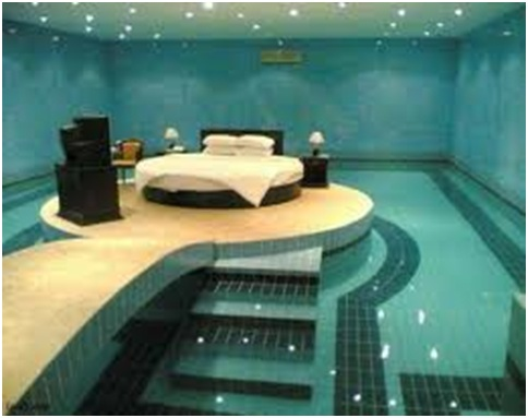 Swimming pool bedrooms bedroom decorating ideas for Swimming pool room ideas