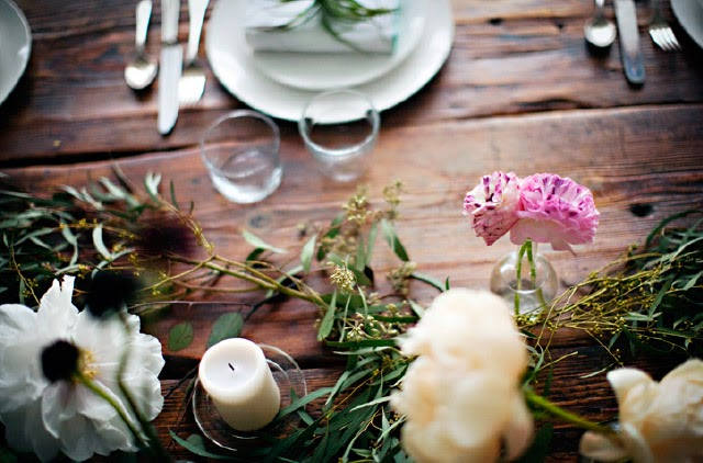 organiclly arranged floral table centre piece