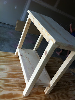 DIY Simple Side Table for Small Spaces by The Quaint Cottage