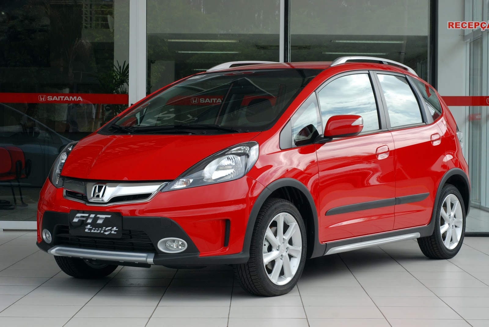 Some Type Of Rugged Specimen Of The Fit Made Exclusively For The Brazilian  Market, The Honda Fit Twist Boasts A Variety Of Changes Including A Roof  Rack, ...