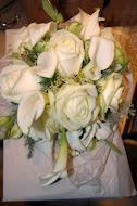 brudebuket med avalance rose og calla
