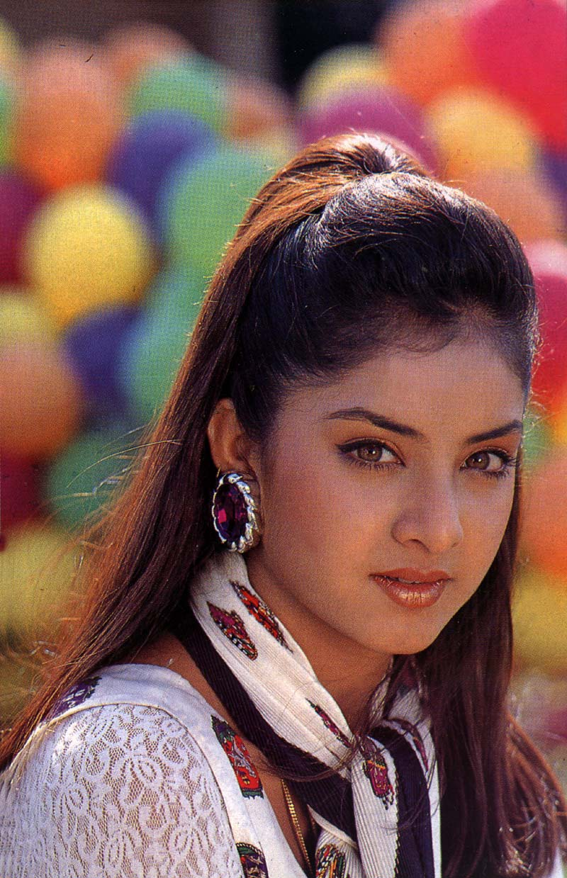 Divya Bharti : Official Website: EXCL GALLERY I