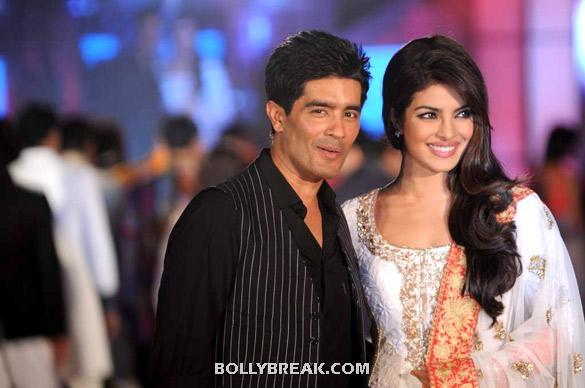 Manish Malhotra, Priyanka Chopra - Priyanka Chopra models for  Manish Malhotra &amp; Shaina NC&#39;s -CPAA
