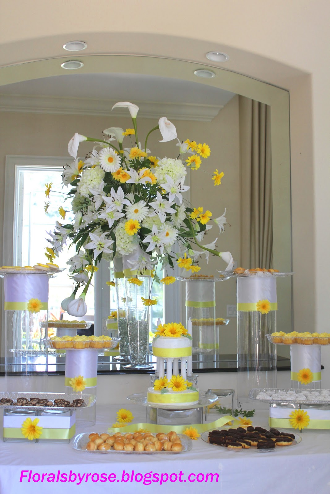 Unique Floral Arrangement Ideas for Events & Homes: Wedding Table ...