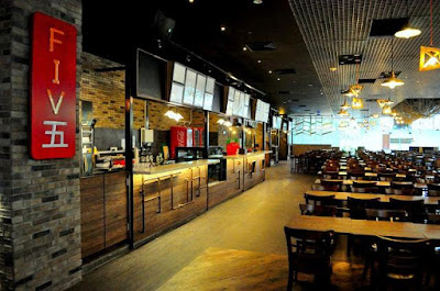 Lunch Time at Five, the Fancy Foodcourt at Pickering Street