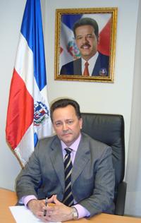 Consulado  dominicano en  Madrid, propicia  encuentro  entre MESCyT  y  Profesiones criollos en España.