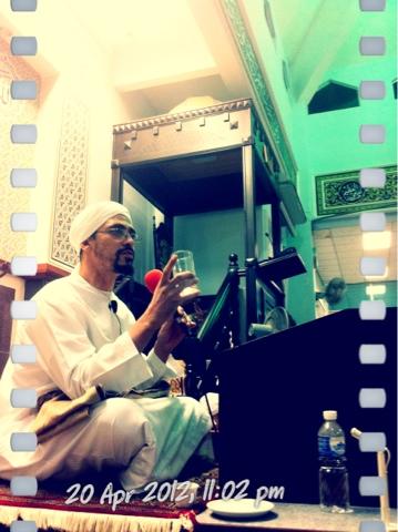 Syaikh AbdulKarim Yahya, giving his Tausiyah at Majlis Ta'lim Darul Murtadza, Kuala Lumpur, Malaysia