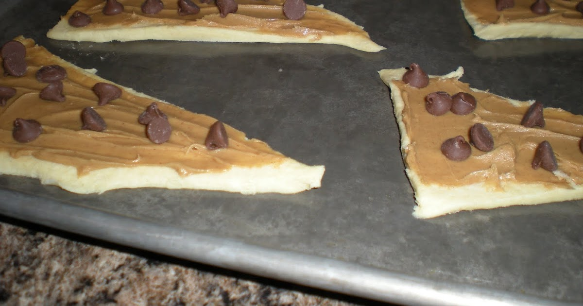 ... Be Delicious!: Chocolate and Peanut Butter Filled Crescent Rolls