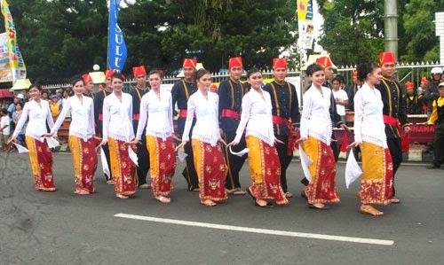 Tari Maengket Tarian Rakyat Minahasa Sulawesi Utara