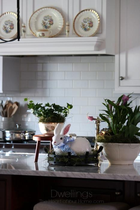 Farmhouse Kitchen Spring Vignette
