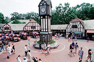Family-Vacation-Tour-Busch-Garden-Williamsburg-Virginia