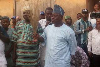 Ex-Oyo Head of Service, Soji Eniade, joins APC, may succeed Ajimobi [PHOTOS]