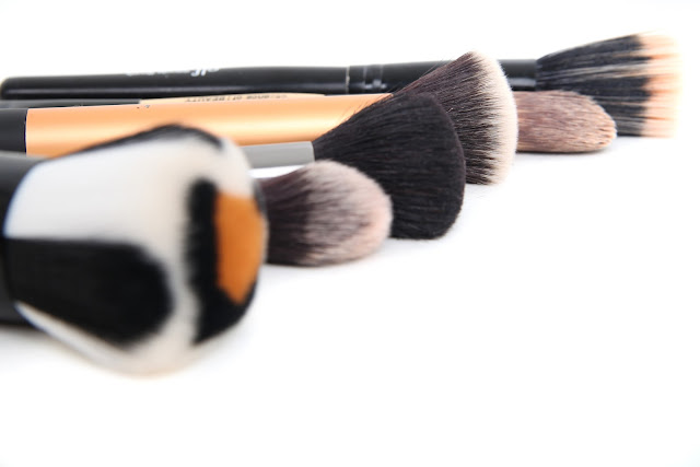 make-up-brushes-real-techniques-japonesque