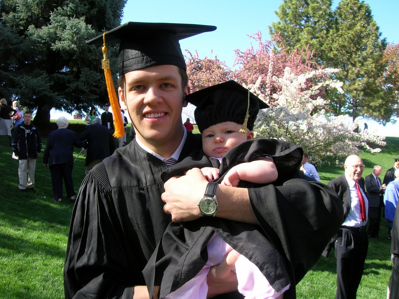 Family Ever After....: baby graduation cap and gown directions