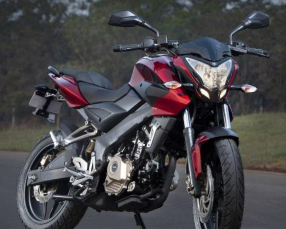 Ujang Eko: Kawasaki Bajaj Pulsar NS 200, Anti Mainstream
