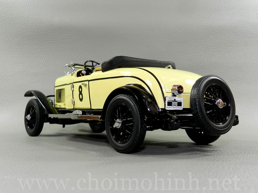 Chrysler Model 72 Le Mans1928 1:18 Signature back
