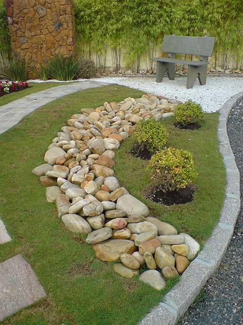 pedras para jardim em sorocaba:Trata-se de uma solução simples, prática, económica e necessita de