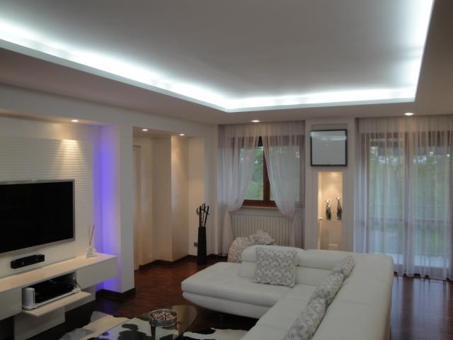 Controsoffitti soggiorno cartongesso idee per il design - Idee illuminazione soggiorno ...