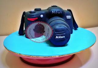 DSLR Nikon cake