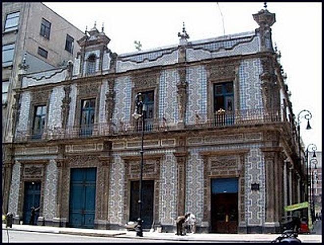 El m gico centro hist rico el samborns la casa de los for Casa de los azulejos ciudad de mexico