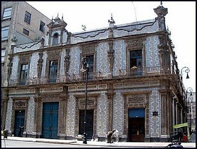 El m gico centro hist rico el samborns la casa de los for Casa de los azulejos historia