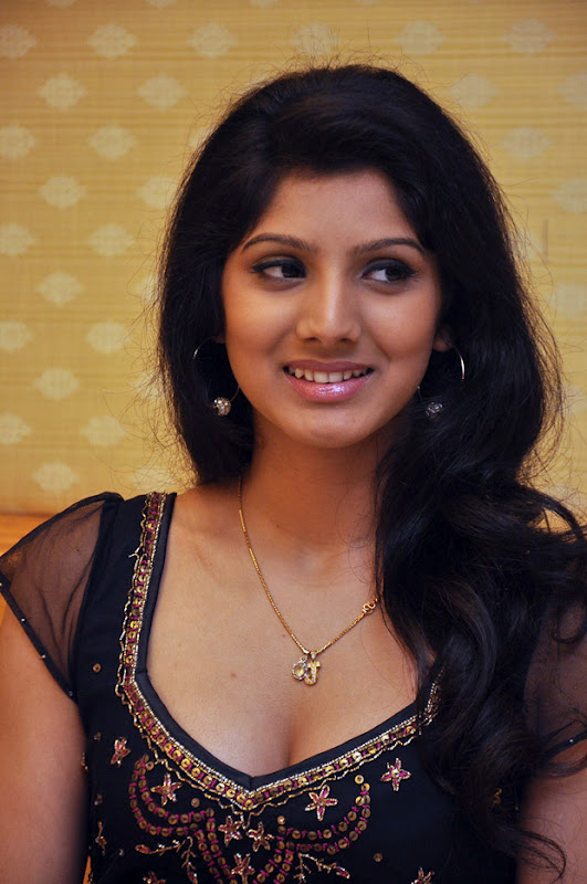 tollywood-hot-actress-joshna-latest-photo-shoot-gallery-with-black ...