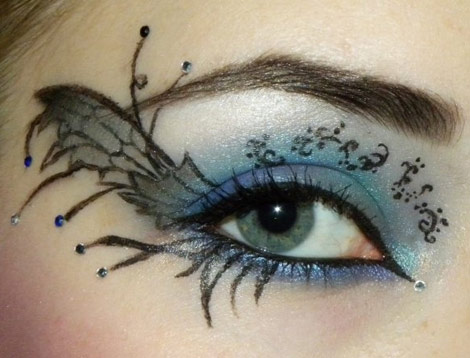 Light Blue Shade Black Striped Eye Makeup