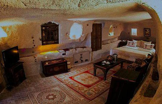 Escape From Sala Silvergruva Hotel