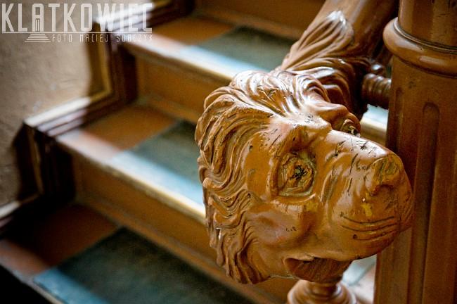 Gorzów Wielkopolski. Kamienica. Klatka schodowa. Balustrada z lwem.