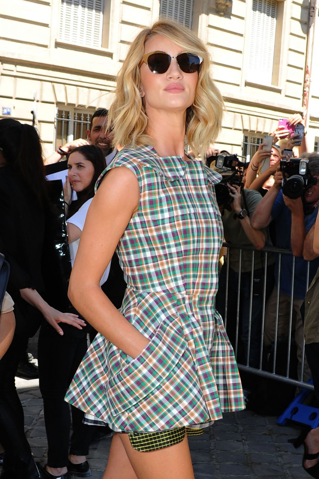 Rosie Huntington-Whiteley - Dior Cruise 2016 Paris Fashion Week Show