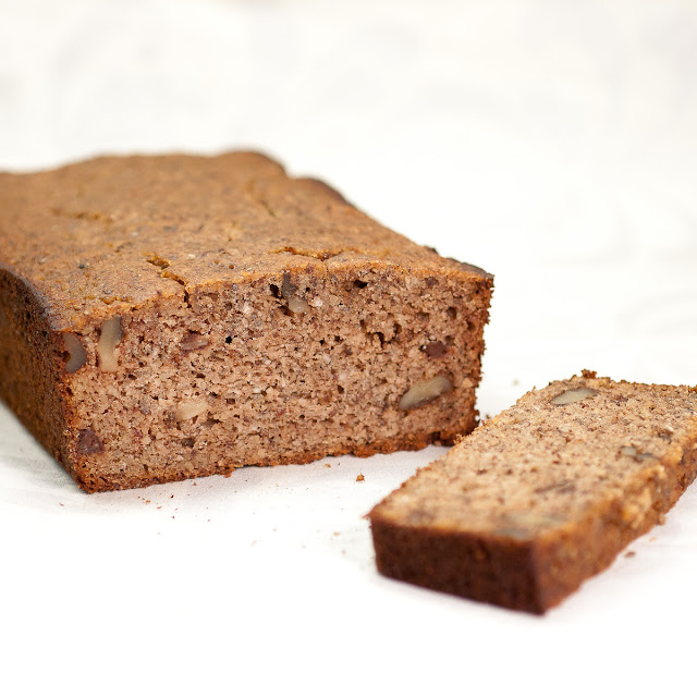 gluten free, banana, bread, almond, dark chocolate, walnuts