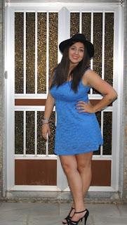 http://lifeandstyleana.blogspot.com.es/2015/07/vestido-azul.html