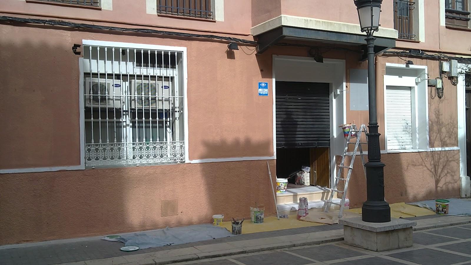Mondecor s l pintado de revestimiento de fachadas y rejas - Pintado de fachadas ...