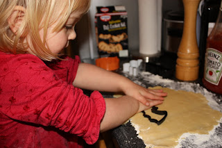 halloween baking cutting