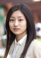 Shiori Kutsuna as Hitomi Maeda