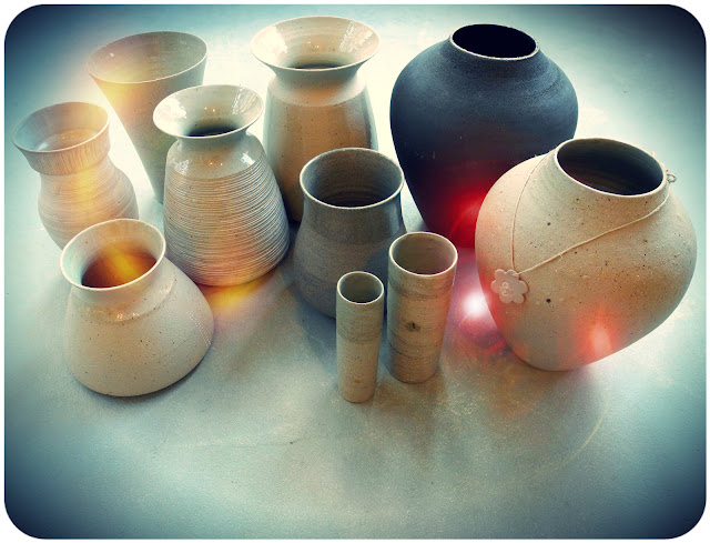 handthrown stoneware vases by Suus Notenboom
