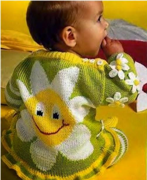 Patrones y moldes de trajecito de bebé con dos agujas